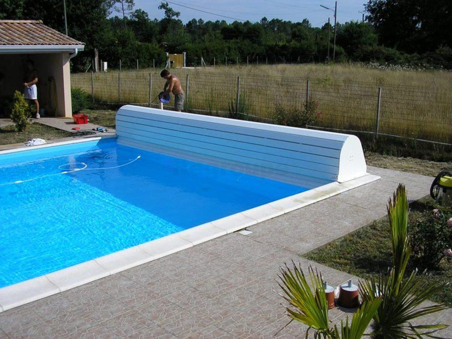 Volet roulant hors sol banc habillage prestige for Volet roulant piscine hors sol bois