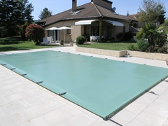 Couverture à barre sécurité piscine